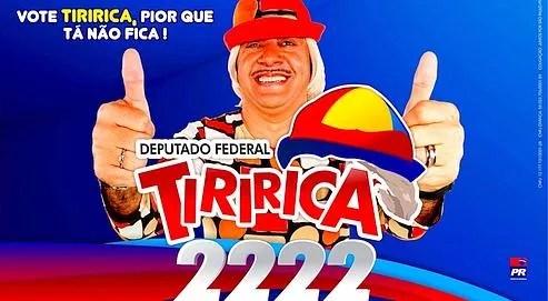 L'amuseur Tiririca, qui brigue un poste de député fédéral dans l'État de Sao Paulo, fait campagne dans les rues de la ville. Son slogan: «Avec moi, ça ne peut pas être pire.»