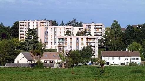378.000 familles dont 207.000 en île de France étaient hébergées, fin 2007, en HLM alors qu'elles ont des revenus élevés.