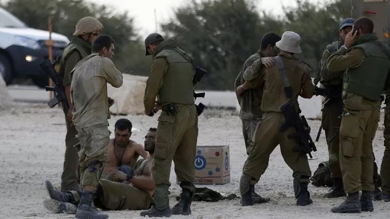 Des soldats israéliens blessés à la frontière de la bande de Gaza.