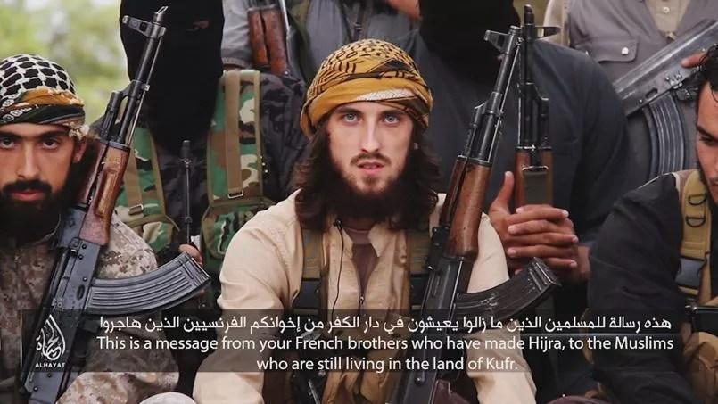 Capture d'écran de la vidéo de l'État islamique diffusée le 19 novembre 2014 dans laquelle les musulmans de France sont appelés à commettre des attentats sur le territoire national.