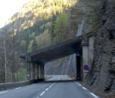 <A paravalanche - in the Aravis area of the French Alps>