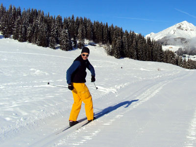 <cross-country skiing, switch-style, at La Clusaz>