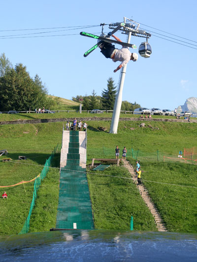 <Photo of the La Clusaz summer skiing freestyle ramp>