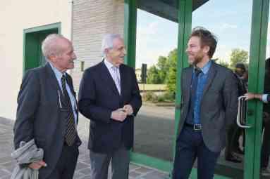Il presidente di Legacoop Romagna Guglielmo Russo, il presidente di Fruttagel Vincenzo Alberti e l'AD Stanislao Fabbrino