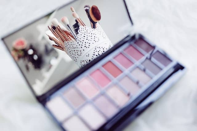 codice attività vendita cosmetici e profumi