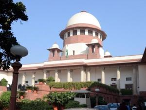 SC stays Guj HC order on judges' plot allotment PIL