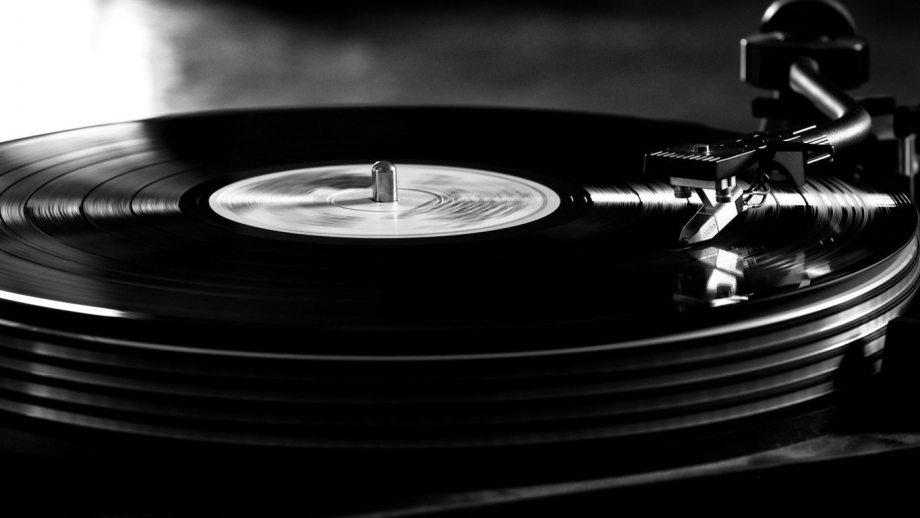 vinyl-record-turntable