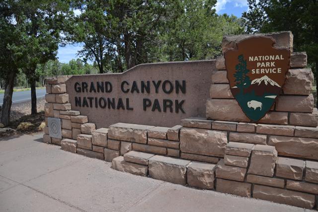 Grand_Canyon_entrada