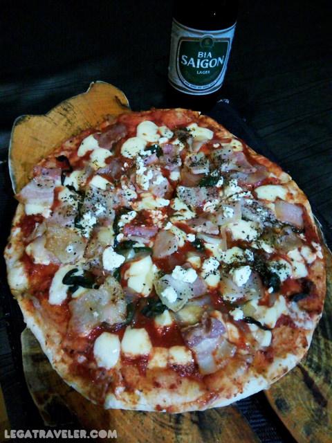 comer-en-vietnam-phong-nha-capture-pizza