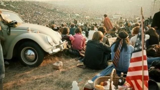 Circa 500.000 persone all'Altamont Raceway Park, il 6 Dicembre 1969