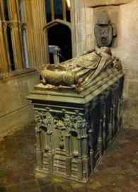 Abbot_Malvern_tomb_Gloucester_Cathedral
