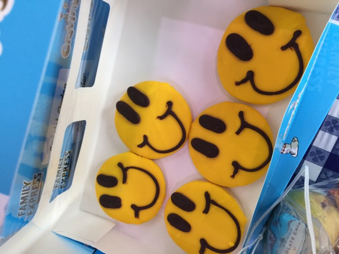 Family Express Smiley Face Cookies