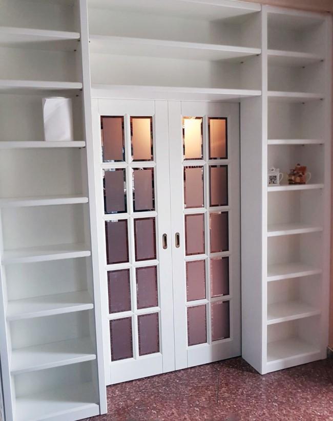 porta con libreria laccata bianca