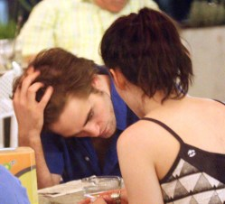 Photos de Kristen Stewart et Robert Pattinson en Toscane
