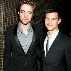 Robert Pattinson –Taylor Lautner-Golden Globes