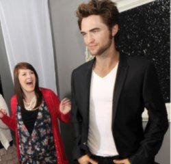 Robert Pattinson sa statue dévoilée Hollywood