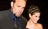 Sandra Bullock Jesse James divorce finalisé