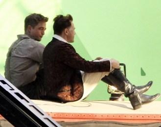 Robert Pattinson tourne en studio Photos