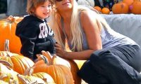 Christina Aguilera Max Photo