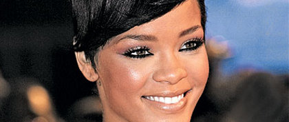Rihanna couleur cheveux flashy