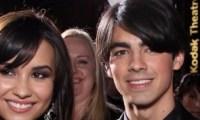 Joe Jonas Demi Lovato mascarade