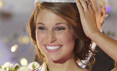 Miss France 2011- Laury Thilleman assume ses photos hot