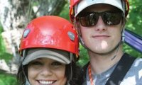 Vanessa Hudgens Josh Hutcherson vacances Caroline du Nord