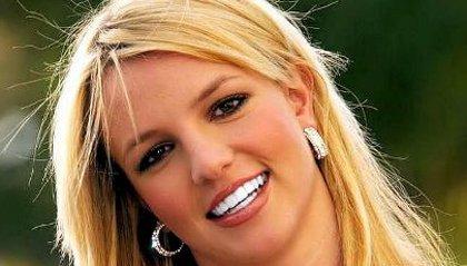 Britney Spears poussée au mariage avec Jason Trawick
