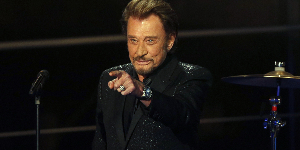 Affaibli, Johnny Hallyday surveillé 24h/24 à la clinique Bizet à Paris