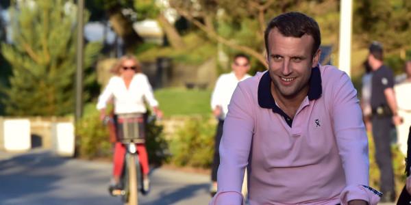 Emmanuel Macron fête ses 40 ans au château de Chambord, Jean-Luc Mélenchon indigné (photo)