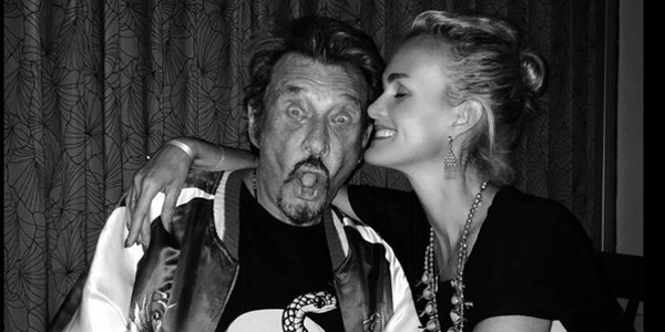 Laeticia Hallyday ne quitte plus la montre de Johnny