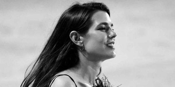 Charlotte Casiraghi : Un média espagnol évoque des rondeurs suspectes (photo)