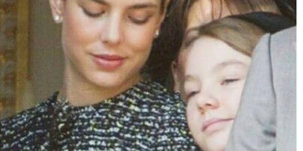 Charlotte Casiraghi et Alexandra de Hanovre, les deux soeurs toujours complices (photo)
