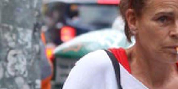 Stéphanie de Monaco accro aussi à la cigarette (photo)