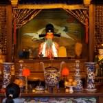 Au temple du Dieu Protecteur de la Ville