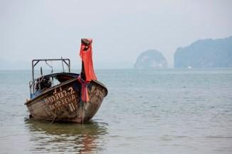 Longtail boat à l'approche