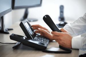 Pourquoi êtes-vous attaché à votre système téléphonique d'affaires conventionnel ? Économisez gros, grâce aux services de téléphonie IP d'affaires !