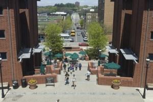 campus sq 3
