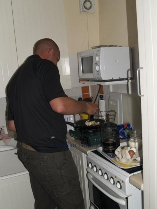 mikko cooking