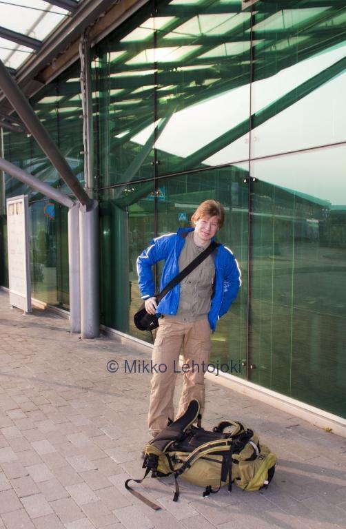 jaakko lentokentällä