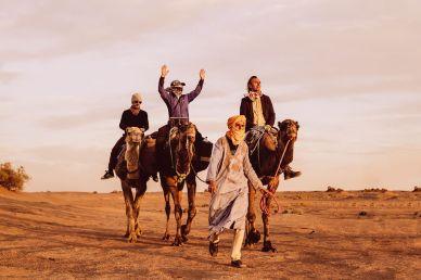 Xiomara Bender: Abidin auf Düne, Sonnenuntergang, Sahara, Südlich der Oasenstadt M'Hamid © Xiomara Bender