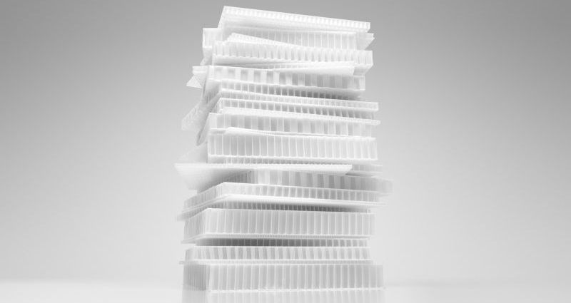 Waben-Sandwiches mit Kunststoffkern für großflächige Bauteile, zum Beispiel für Nutzfahrzeuge