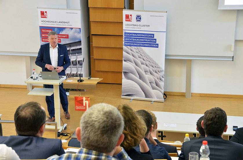 Dr.-Ing. Martin Hillebrecht, EDAG Engineering, hielt eine der Keynotes. (Quelle: Hochschule Landshut)