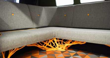 Neben den Felgen wurde auch das Lenkrad sowie die Trägerstruktur für die Rücksitzbank mit Generativem Design neu gestaltet. (Quelle: Autodesk)