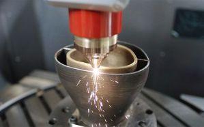 Mit den Maschinen der Lasertec 3D / 3D hybrid Baureihe von DMG MORI lassen sich auch Multimaterialanwendungen und gradierte Materialien realisieren. (Quelle: DMG Mori)