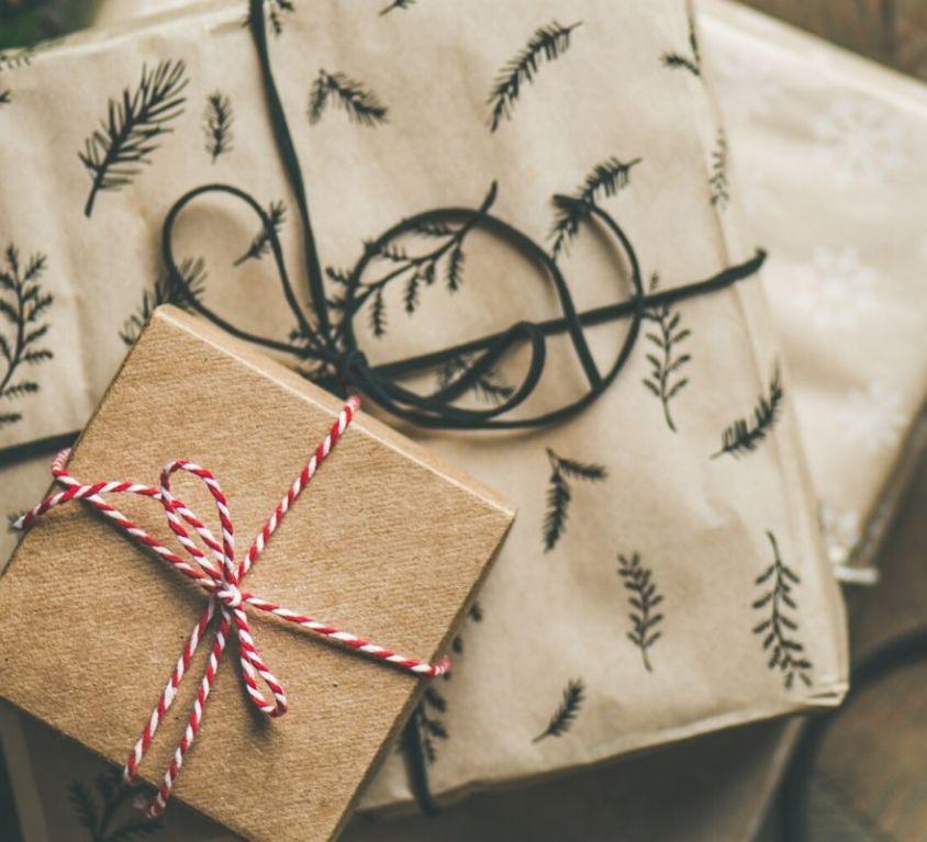 2019 Holistic Gift Guide - Holistic Lifestyle Leigh Ann Lindsey