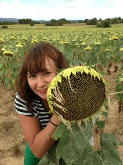 Leigh-Walton-with-Sunflower