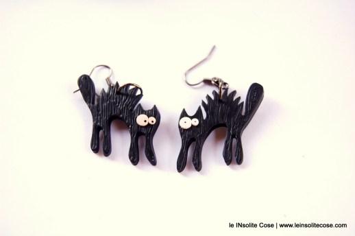 Orecchini gatto nero arruiffato www.leinsolitecose.com - le INsolite Cose 2016 (1)
