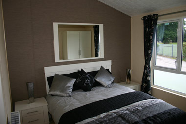 Willerby Ridgewood master bedroom