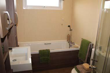 Pemberton Glendale Static Caravan Bathroom